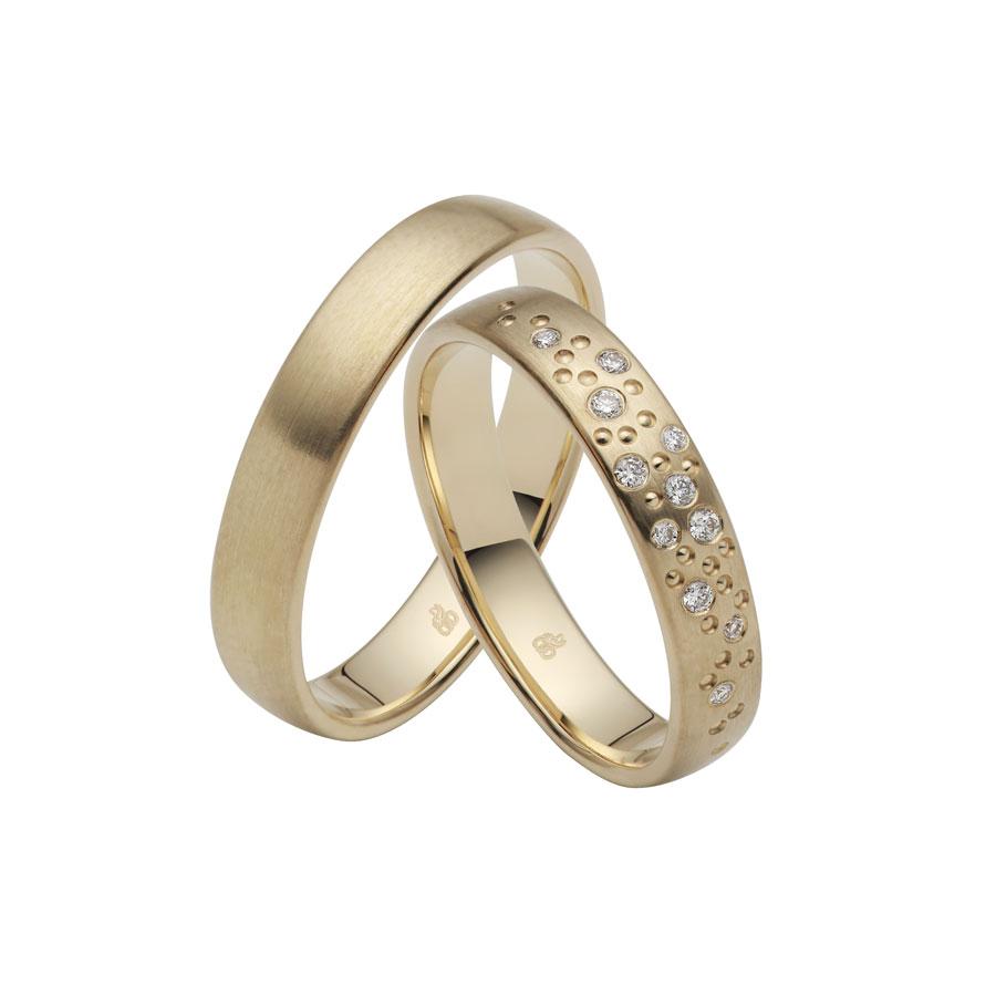 Rauschmayer Ringpaar: Diamanten in der Fassart Sternenhimmel
